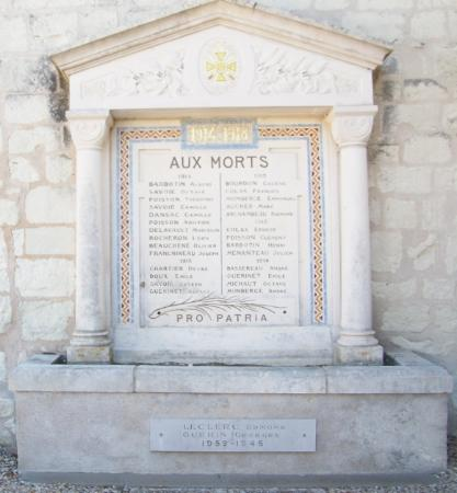Maulay - Monument aux morts